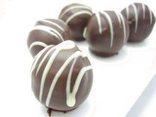 2014年新作☆トリュフチョコレート。ストロベリー、黒ごま、ミント。