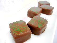 トリュフチョコレート3種。カフェ、アールグレイ、テヴェール。