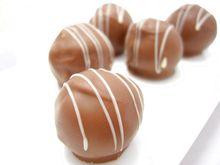 トリュフチョコレート3種。コニャック、コアントロー、グランマルニエ。